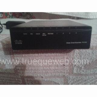 Imagen de Router Cisco VPN con WAN Gigabit dual RV042G
